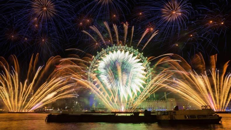 香港特区政府:十月一日维港国庆烟花汇演取消